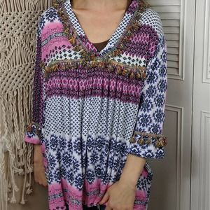 Velzara tassel trim vneck boho tunic top medium